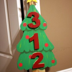 Diy scrap wood crate christmas tree stand the kim six fix diy christmas tree address sign solutioingenieria Gallery